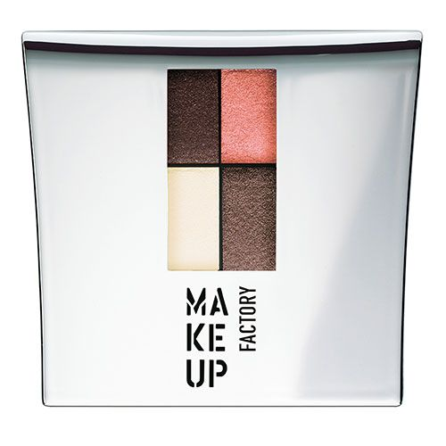 Für grüne Augen:  Vier gewinnt: Diese Palette enthält Puder-Lidschatten in zwei Braun-Nuancen, ein helles Creme und ein leuchtendes Rosé.  Make Up Factory, Eye Colors Quattro in Nr. 6, circa 18 Euro.   Make Up Factory, Eye Colors Quattro in Nr. 6, circa 18 Euro.