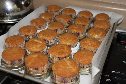Utiliser les couvercles de bocaux a l'envers pour la cuisson des gâteaux - gain de place