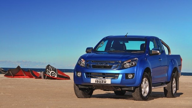 The new Isuzu KB extended cab in vector blue