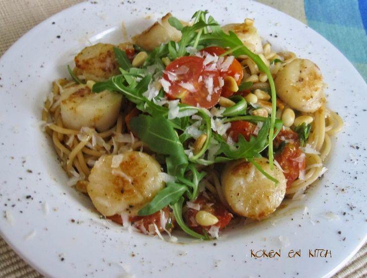 Koken en Kitch: Pasta met kerstomaten, rucola en sint jacobsvruchten
