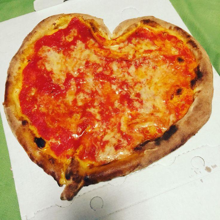 Pizza regina Margherita