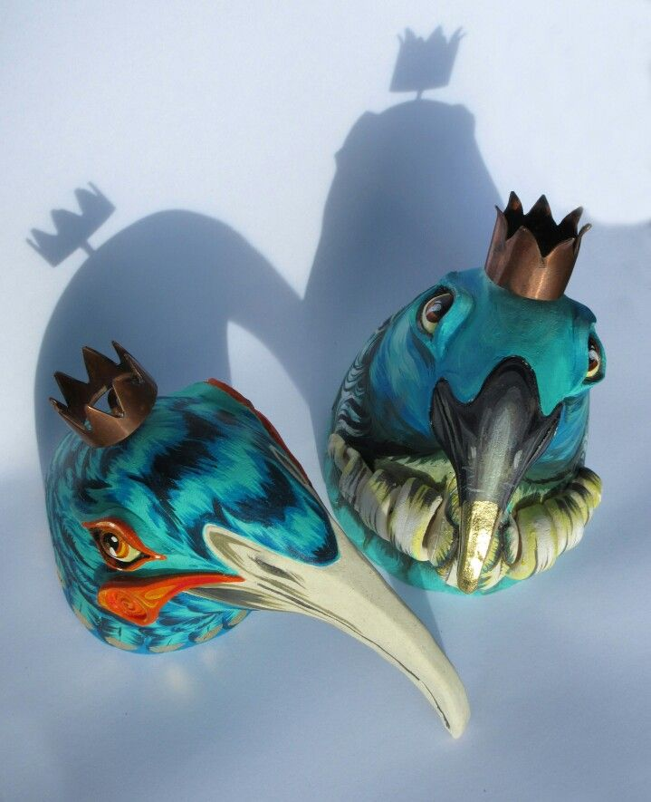 Ceramic Tui & Huia bird painted by Cinzah Seekayem Sculpted by Glen Colechin