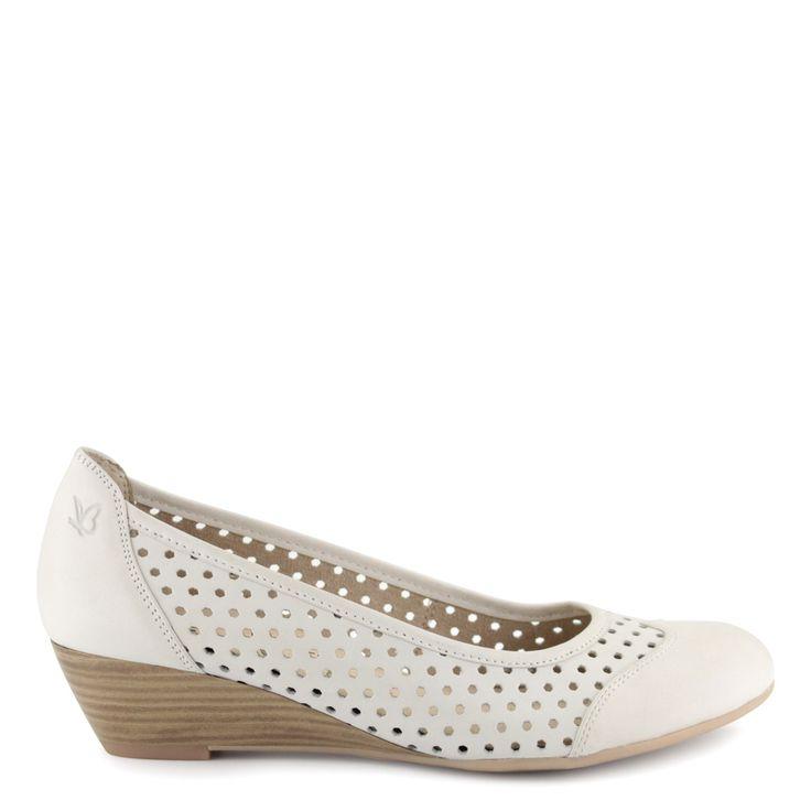 Törtfehér éktalpas Caprice cipő | ChiX.hu cipő webáruház Törtfehér éktalpas Caprice cipő lyukacsos felsőrésszel, 4 cm-es sarokkal, puha bőr felsőrésszel és béléssel. Márka: Caprice Szín: Offwhite Modellszám: 9-22500-24 109