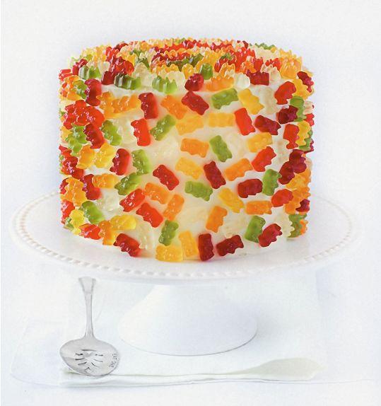 Torta decorada con gomitas masticables | Decoración Tortas | Pinterest