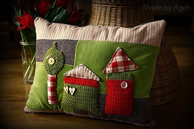 happy farm cushion