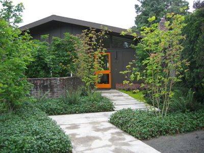 Barbara Hilty Landscape Design, APLD The break in the path is nice and the  orange door at the end makes for a nice welcoming target to find the entry. - 75 Best Mid Century Modern Landscaping Images On Pinterest
