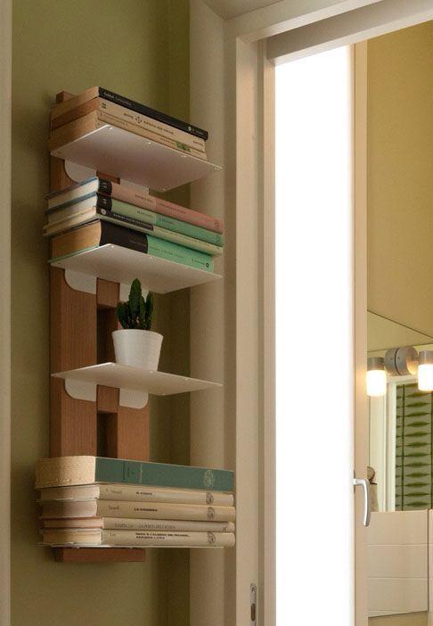 Libreria Zia Ortensia in legno massello in diverse altezze a muro o freestanding http://www.onfuton.com/portfolio_item/zia-ortensia/