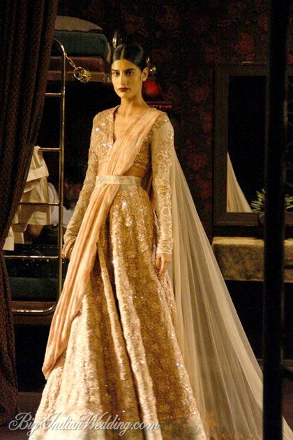 Sabyasachi couture lehenga displayed at ICW 2014