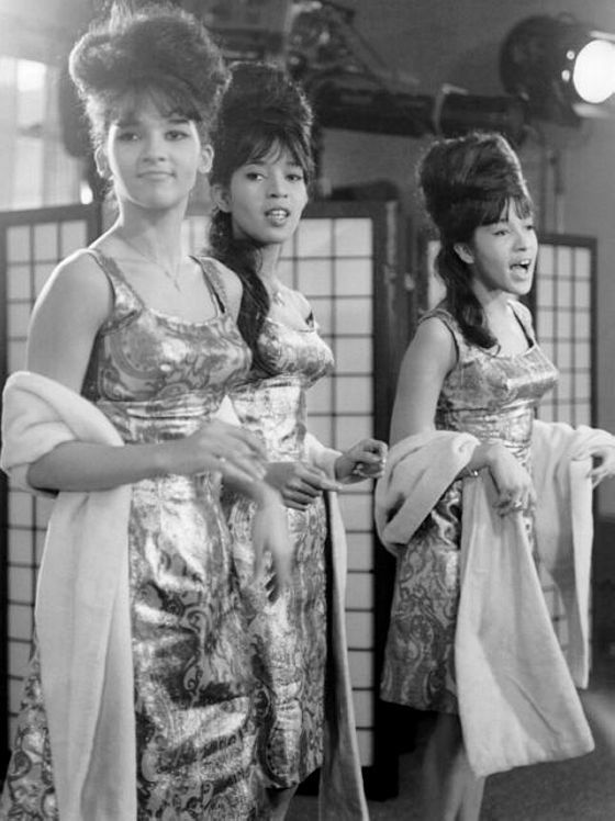 We Had Faces Then — The Ronettes, 1963