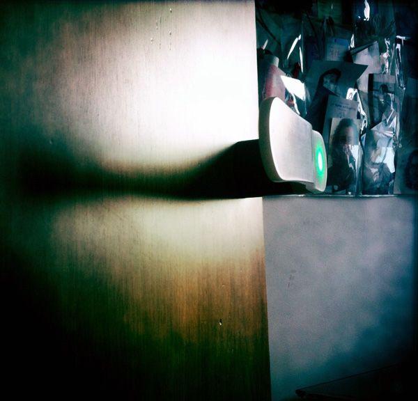 Zento - Luminous Door Handle by Giangi Razeto and Massimo Pinto » Yanko Design