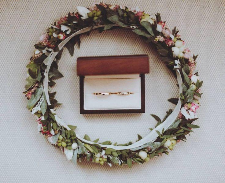 💞 fot. @roksanarobizdjecia    #wianek #wianuszek #wianekslubny #wianeknagłowie #kwiatywewlosach #ślub #slub #slub2017 #wedding #weddingwreath #wreath #floralcrown #flowerstagram #instaflowers #instaslub #romantic #love #wroclove #wroclaw #psiepole #kwiaciarniafloris #roksanarobizdjecia