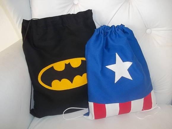 Bolsa ou mochila Super Heróis lembrança de festa. Medida: 36x26. Tecido Brim, apliques de tecido bordado. Pedidos acima de 10 unidades. R$ 12,00 cada. Frete sob consulta. R$ 12,00