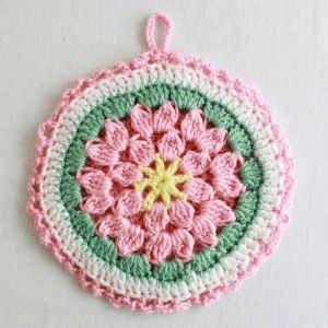 Best Free Crochet » Free Crochet Pattern Cluster Flower Potholder #41