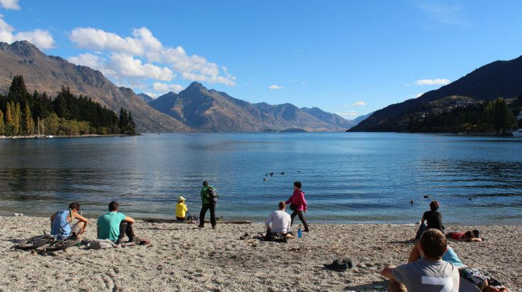 #Queenstown travel tips for those on a tight budget #backpacker #NewZealand http://www.mydestination.com/queenstown/usefulinfo/6182496/queenstown-on-a-budget