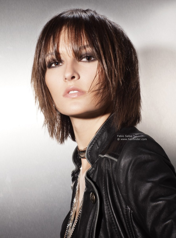 short to mid length hair styles this mid length layered haircut is neck length at its 8947 | d61fad300dd39ebef92439315cf67133 short to medium hairstyles mid length hairstyles