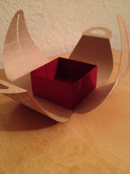 Mingle all the way curvy keepsake box