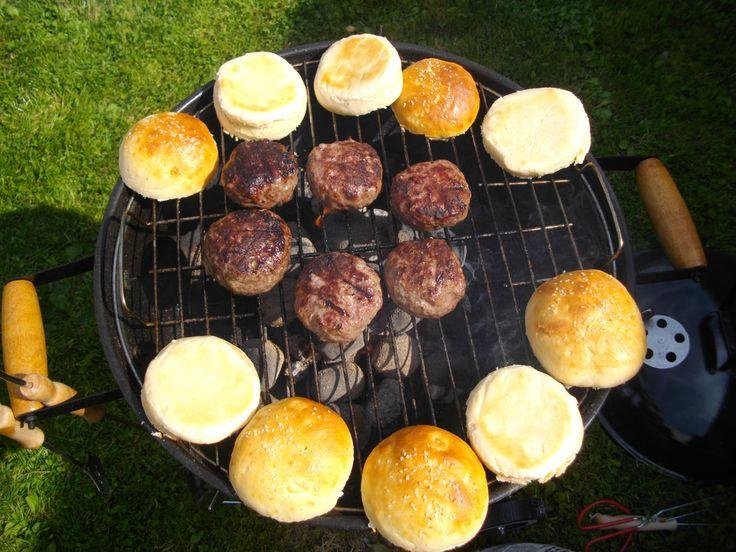 Domácí hamburgery - bulky i maso ;-) (Recept dodám)