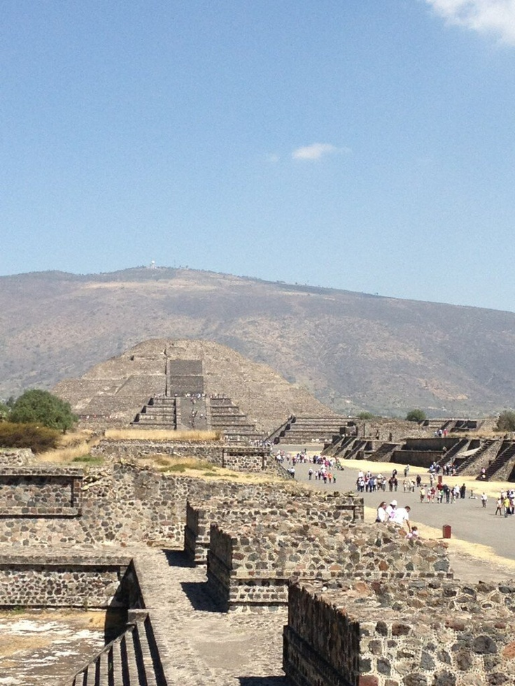 Abriéndonos camino en Mexico. Saludos desde Teotihuacan.