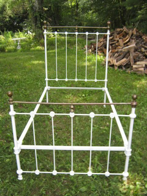 antique garden home brass cast iron bed frame fineal rail mattress