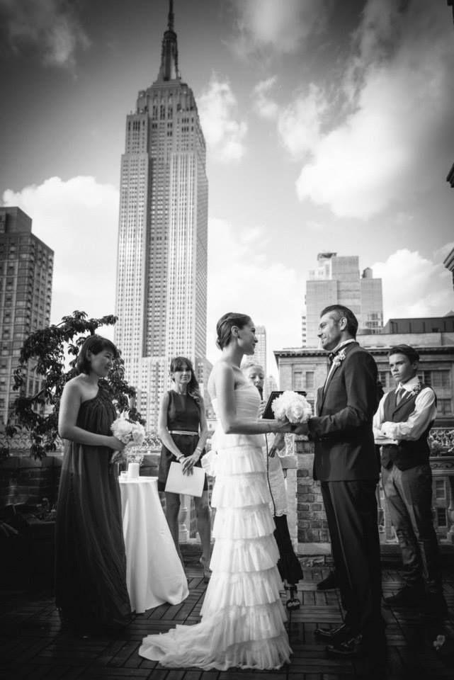Matrimonio a New York - Sposarsi a New York - Wedding - Black and white - Empire State Building - Alberta Ferretti Dress - Dolce e Gabbana Man - Rooftop - Best Day -