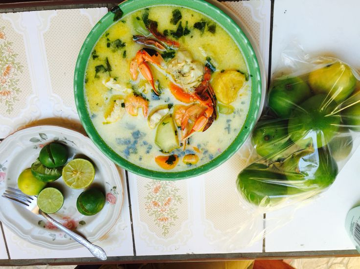 If I could make or eat my grandmothers Seafood soup everyday then I would! #Honduras #SouthAmerica #Seafood #Soup #Healthy #Organic #Ingredients  #Colourful #Delicious #Takemeback