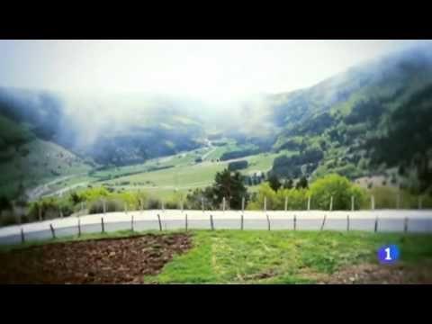 Destino España - Navarra (Isaba, Valle de Roncal) - Simon Hall