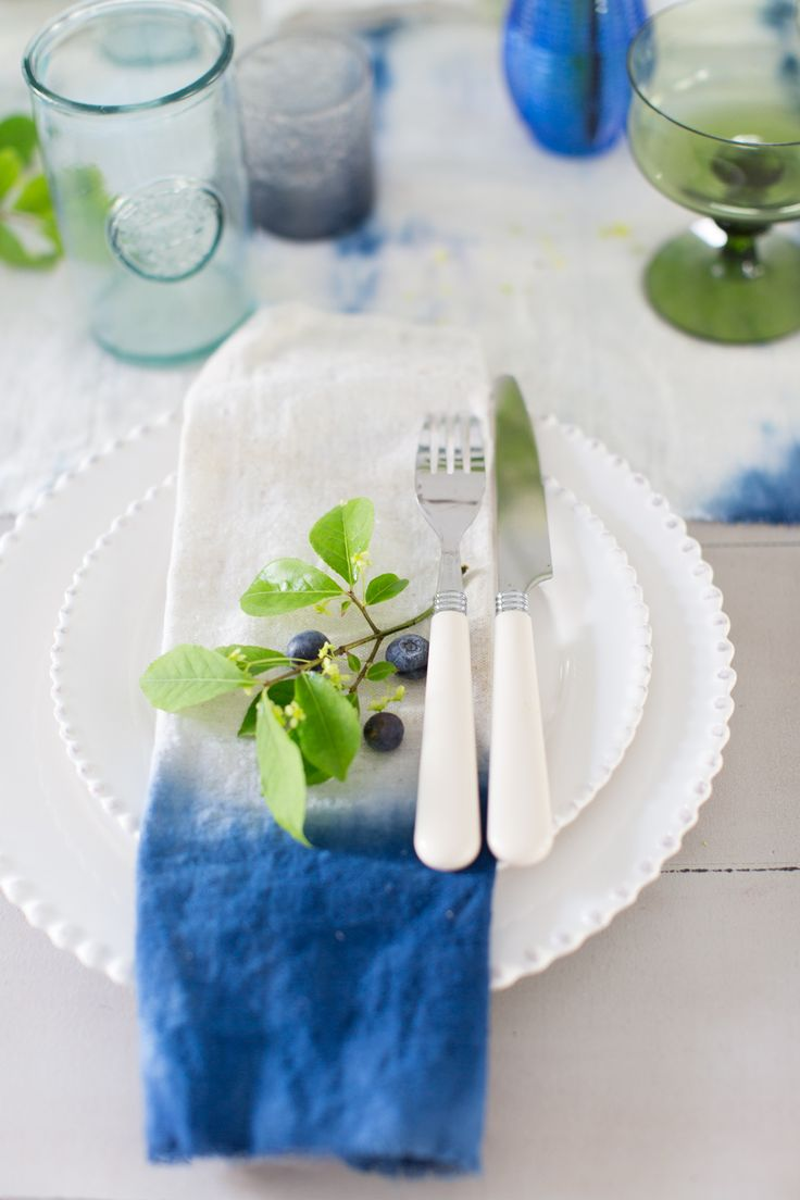 Indigo summer DIY tablescape with dyed napkins from MichaelsMakers Craftberry Bush