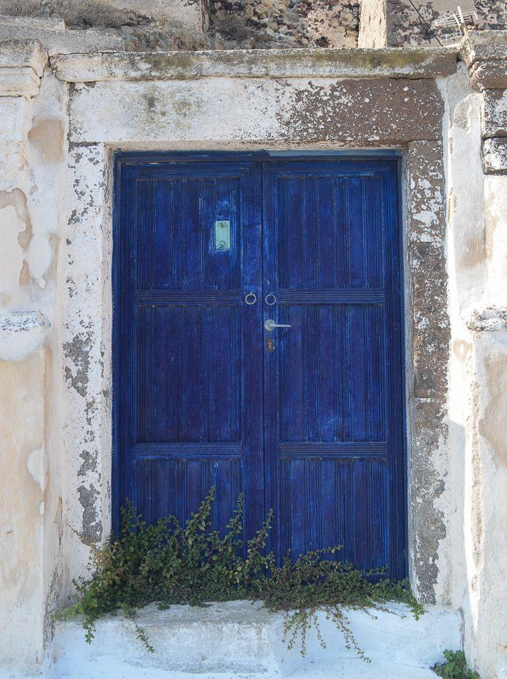 Santorini, la isla de las cúpulas y los atardeceres mágicos / Vero Palazzo - Home Deco Santorini, Palazzo, Furniture, Home Decor, Windows, Islands, Doors, Colors, Decoration Home