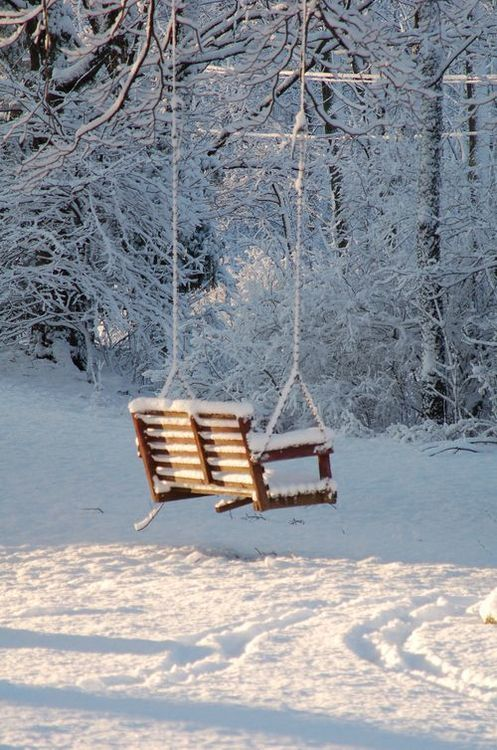 I love the idea of a swinging seat bench. Seems to go really well with the romantic themes in AM