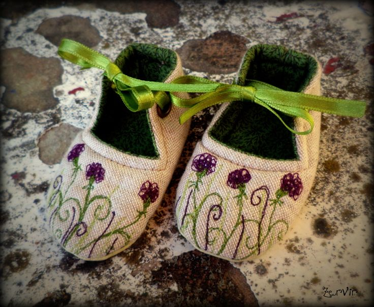 Baby shoes by ZerVir