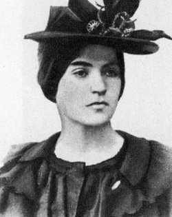 Suzanne Valadon wearing a hat gifted by Toulouse-Lautrec