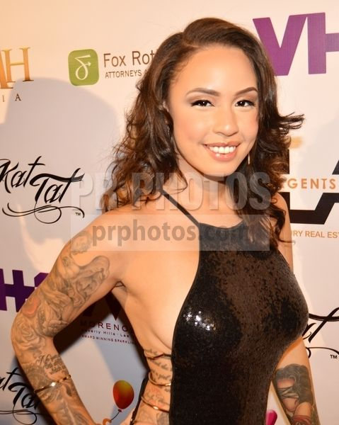 """The """"Model Type"""" Art Exhibit by Kat Tat from VH1's Black Ink Crew: Chicago - Arrivals"""