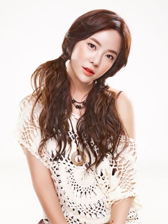 "Hwang Jung Eum Chosen as the 2016 Model for Clothing Brand ""Muzak"" | Koogle TV"