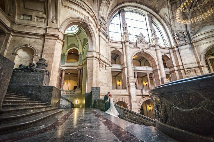 Brautpaarshooting im Rathaus von Hannover.  Caro & Gökhan ein Traumpaar