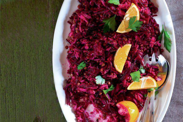 Rýžovo-čočkový salát s červenou řepou | Apetitonline.cz