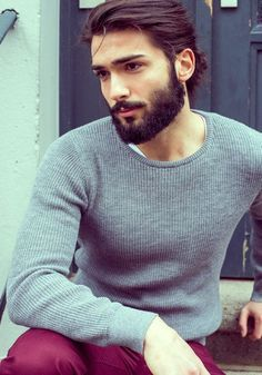 Coiffure tendance pour les hommes avec des cheveux mi-long #homme #men #coiffure…