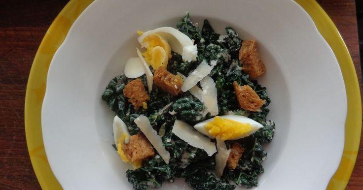 Van de cavolo nero soep van Jamie van eergisteren was nog wat rauw gesneden kool over. Op de verpakking (AH) staat een leuk recept van d...