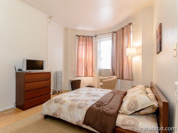 This Rose Colored Rental Studio Apartment Is Perfect For Students In NYC