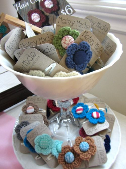 Homemakin and Decoratin: like the tiered display - she made this herself w/ plate, bowl, candle holder.