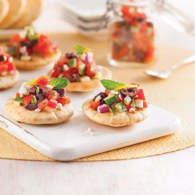 Canapés à la salade grecque - Recettes - Cuisine et nutrition - Pratico Pratique