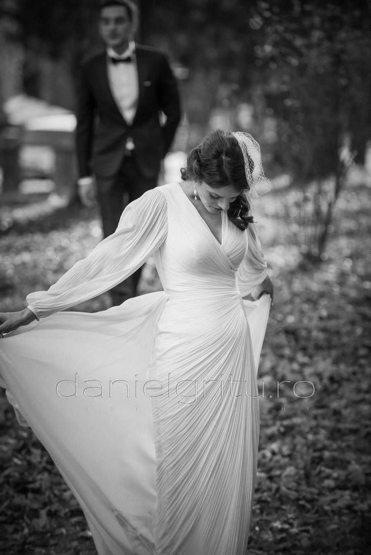 O rochie de mireasa mai altfel, cu un voal mai altfel pentru o nunta mai altfel !