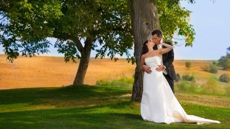 Esküvői fotózás a golfpályán, egy kreatív esküvői fotós munkája  http://zoomstudio.hu/eskuvoi-fotos/