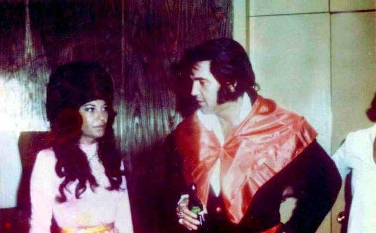 Elvis recording at Stax in Memphis 1973.