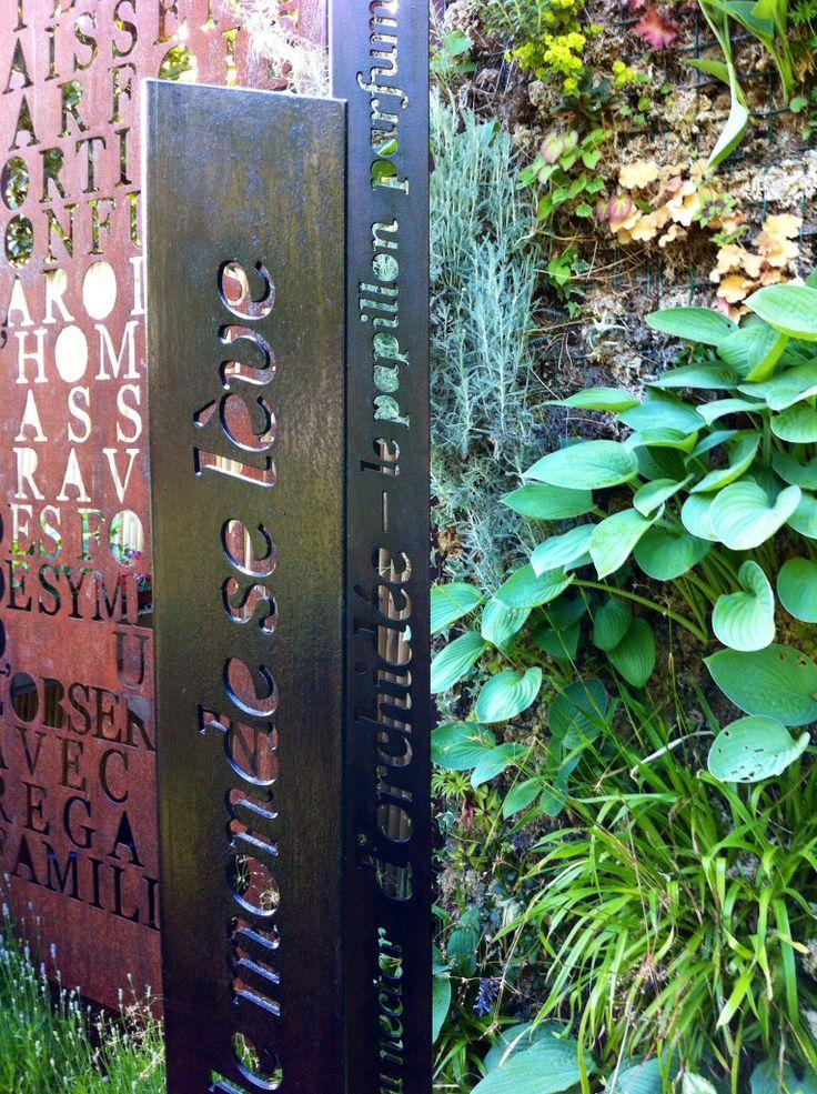 """""""Haïkus"""" et panneau """"Correspondances, Baudelaire"""". © Franck Chastanier / Ô CREATION   / mai 2014 / Lieu : Jardinerie de Curiosité Taffin, Montmorency /  http://www.facebook.com/O.CREATION.ATELIER"""