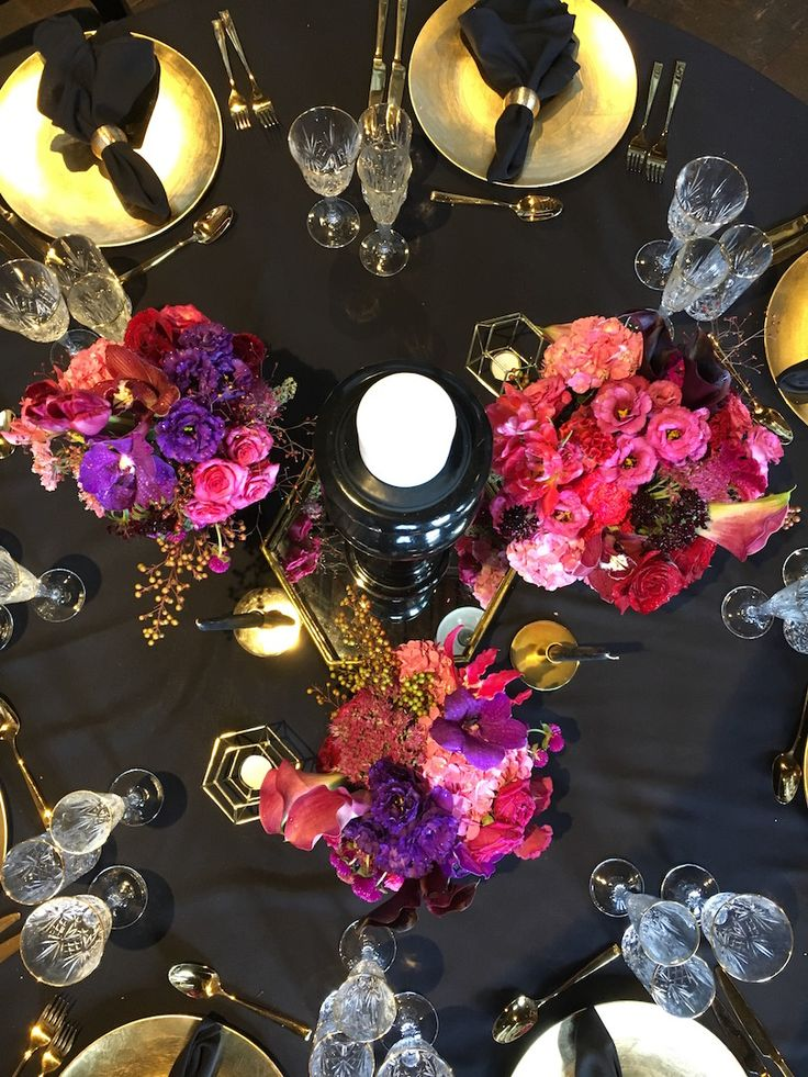 Ovolo Dining Table Flowers