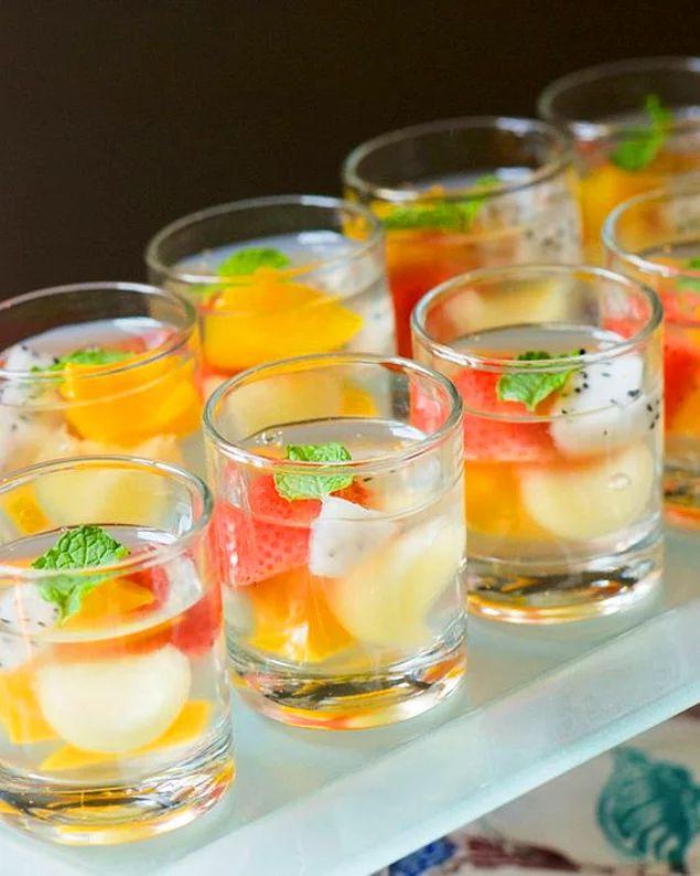 Elma suyu diğer meyve sularına göre daha sakin, bakalım jölesini beğenecek misiniz?