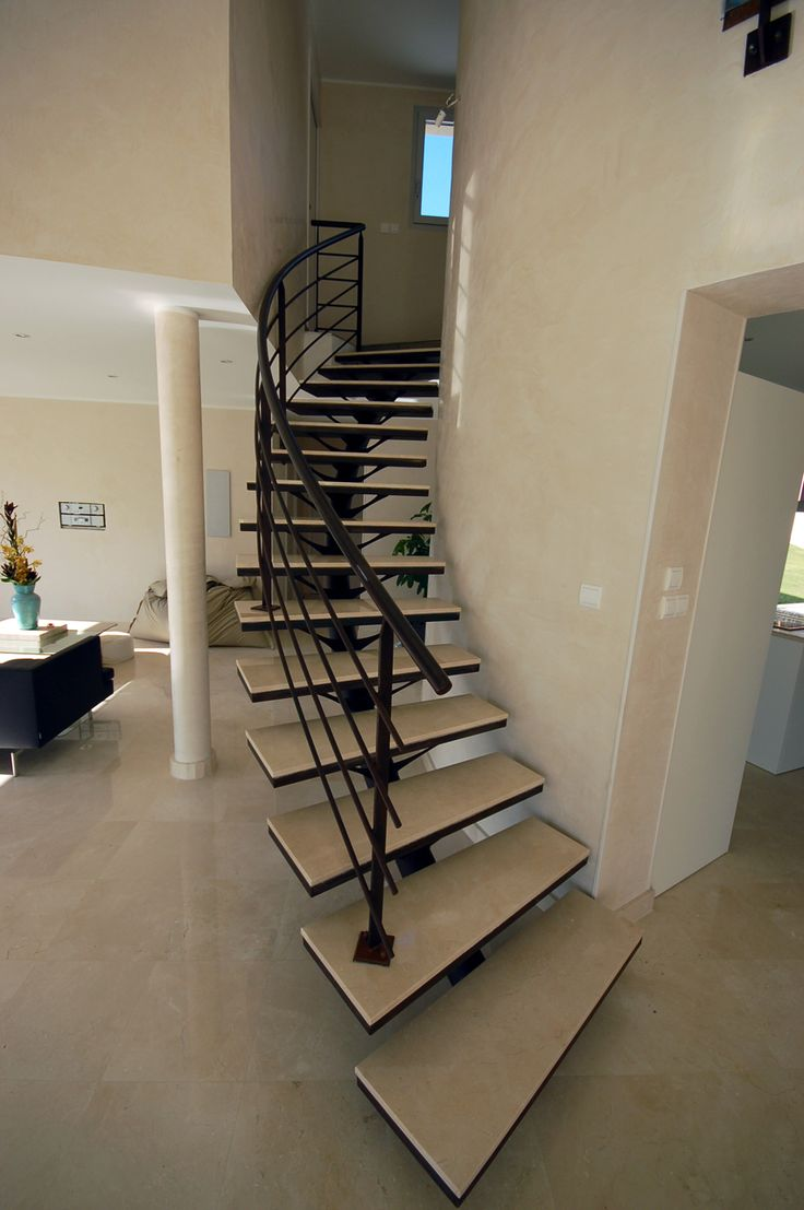 17 meilleures id es propos de escalier m tallique sur pinterest escalier - Escalier metallique design ...
