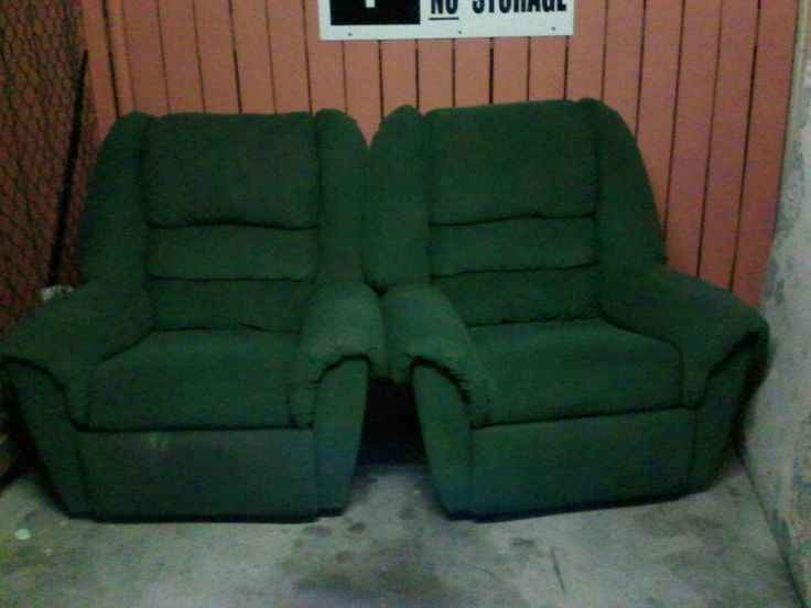 2 Recliners great condition with 2 seater lounge, small tear in right cushion apart from that good condition $200 ono.