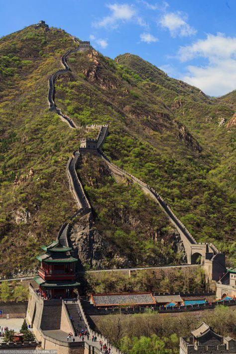 EXTRA ДЛИННАЯ ДОСТОПРИМЕЧАТЕЛЬНОСТЬ Великая китайская стена  ( общая протяженность — 6350 км, чтобы обойти ее всю потребуется 4,5 месяца)