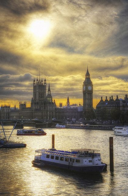 "Fancy to #travel #London? Include this in your #bucketlist and visit ""City is Yours"" www.cityisyours.c... to discover amazing bucket lists created by local experts."